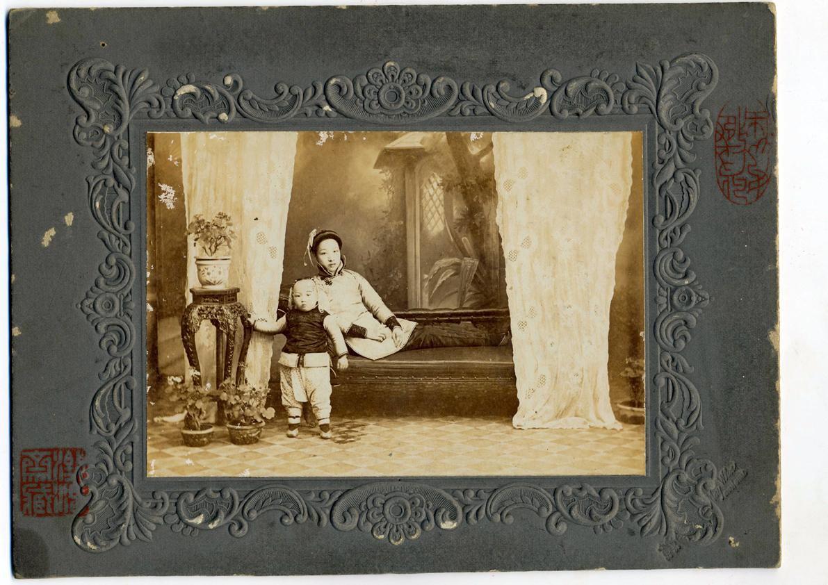 wang-qiuhang-collecting-women-nineteenth-twentieth-centuries-photography-of-china-0011.jpg