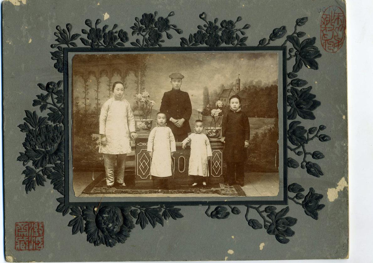 wang-qiuhang-collecting-women-nineteenth-twentieth-centuries-photography-of-china-0028.jpg