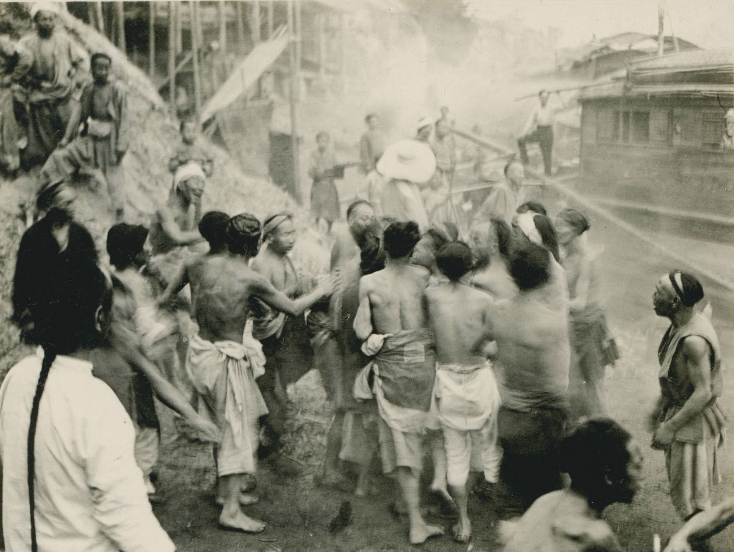 Fight between labor factions at Kia Ting, 1909-04