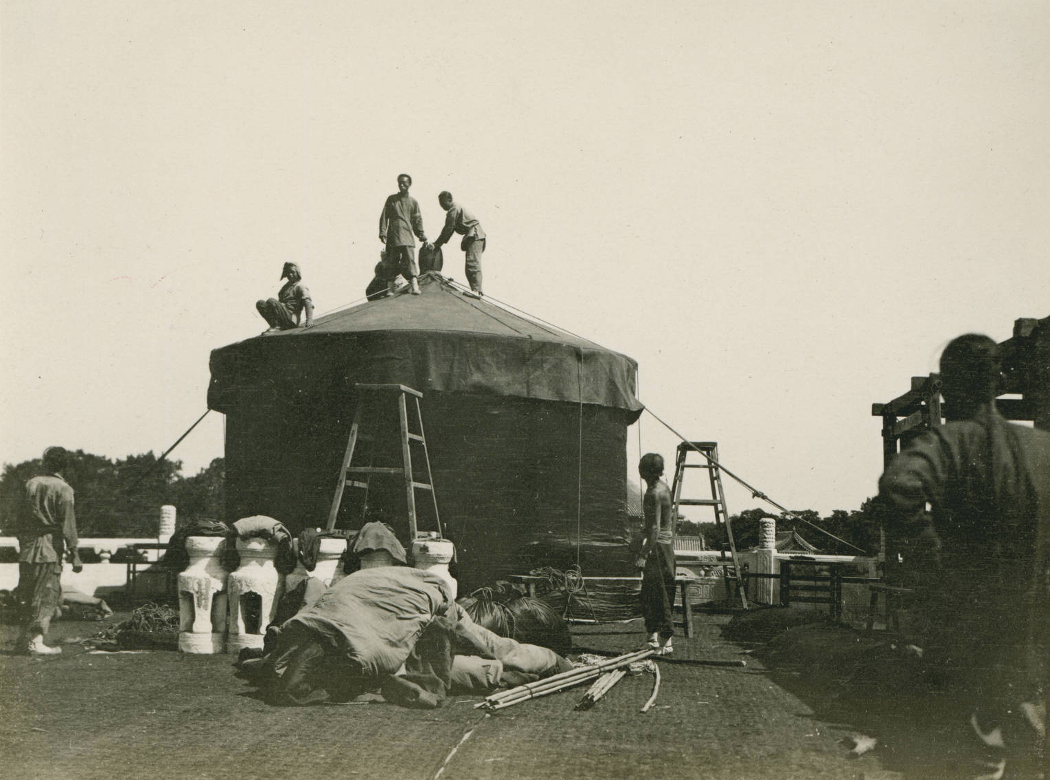 Making preparations for the visit of the Emperor, 1909-05