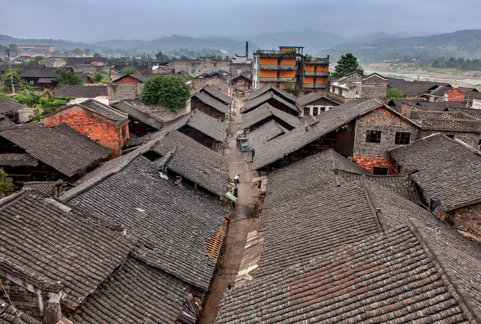 kuang-huimin-lost-dreams-in-tuokou-photography-of-china-1.jpg