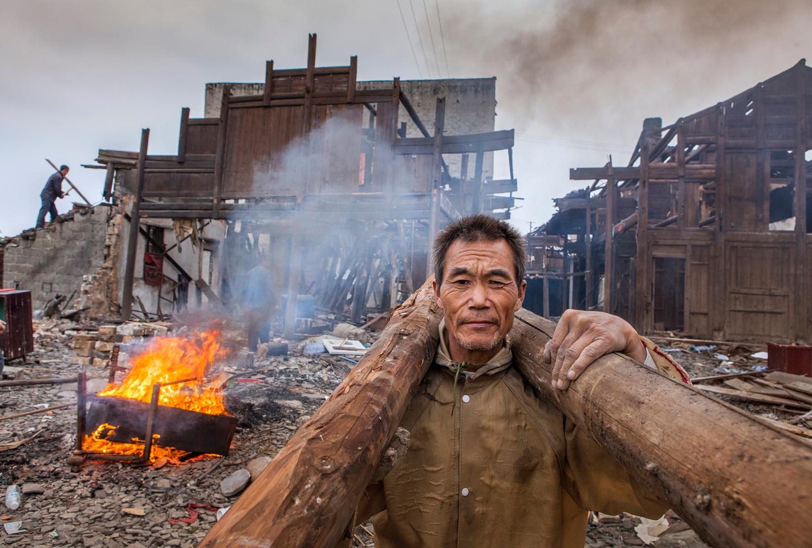 kuang-huimin-lost-dreams-in-tuokou-photography-of-china-3.jpg