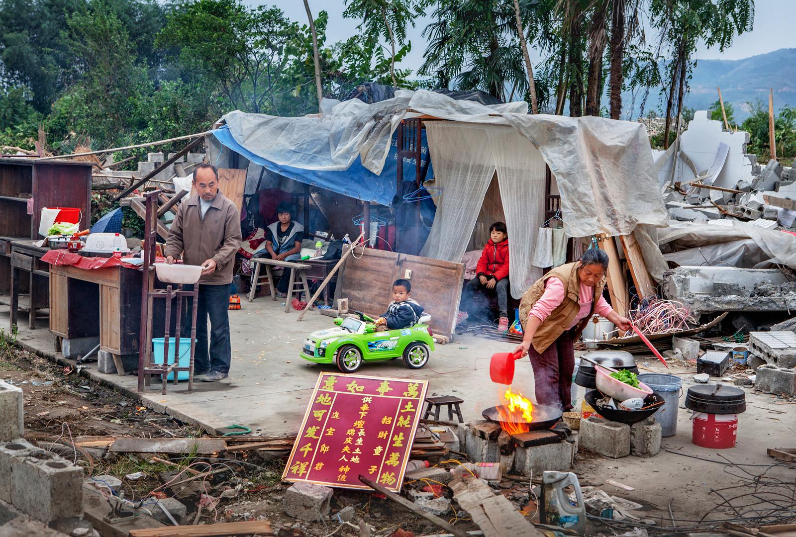 kuang-huimin-lost-dreams-in-tuokou-photography-of-china-4.jpg