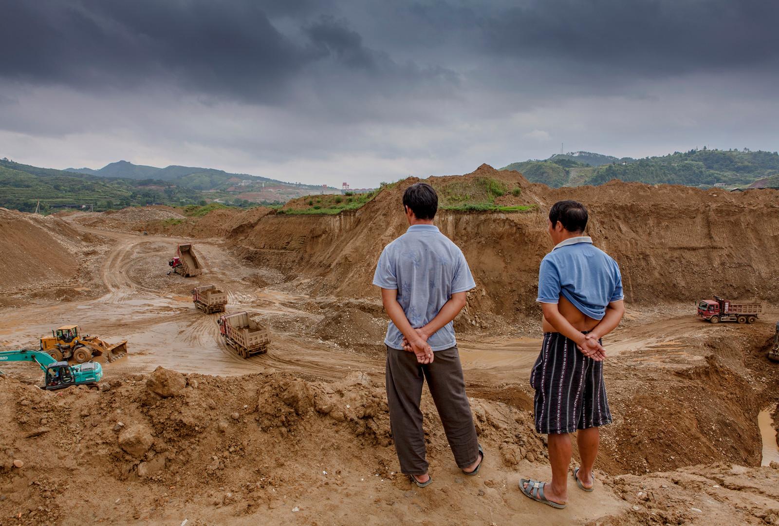 kuang-huimin-lost-dreams-in-tuokou-photography-of-china-6.jpg