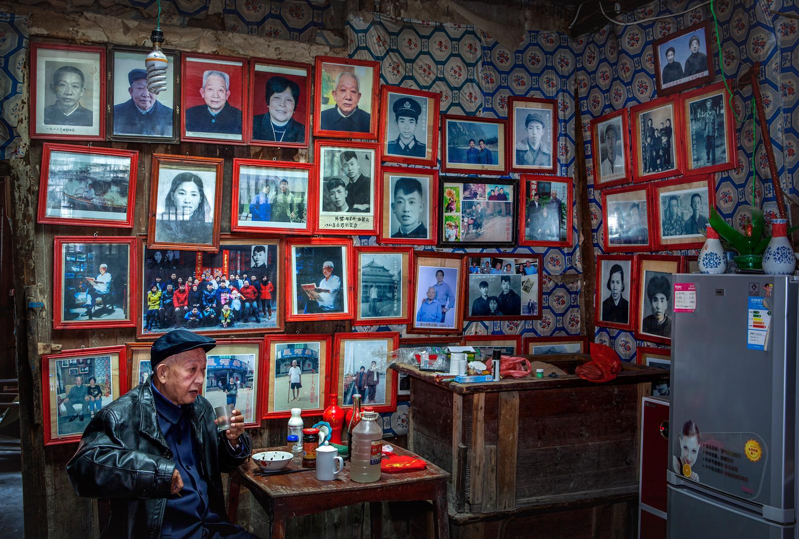 kuang-huimin-lost-dreams-in-tuokou-photography-of-china-10.jpg
