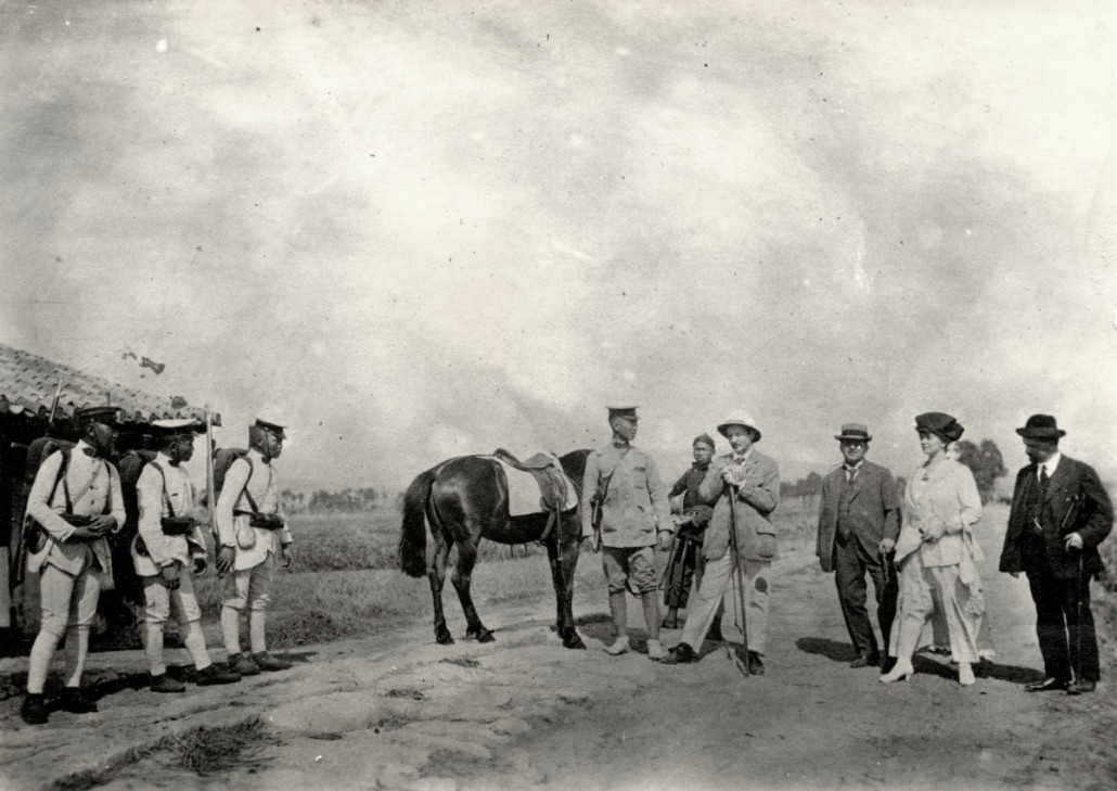 Travel group in Kunming ready to decamp, 21.03.1917