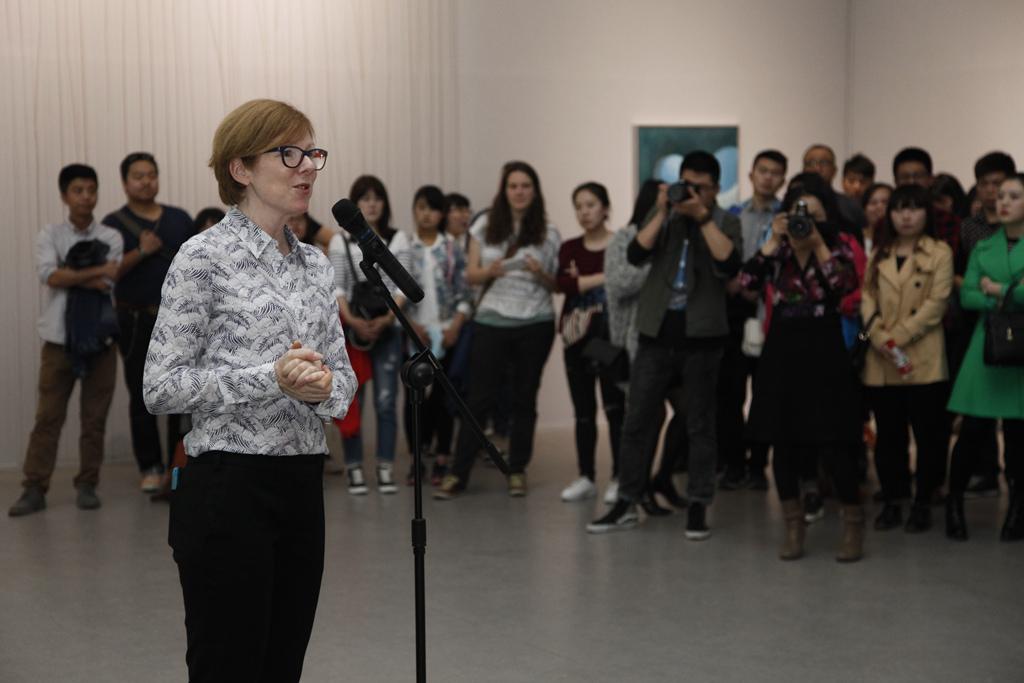 Karen Smith introducing spring exhibitions at OCAT Xi'an in 2016 © Sue Wang, CAFA ART INFO