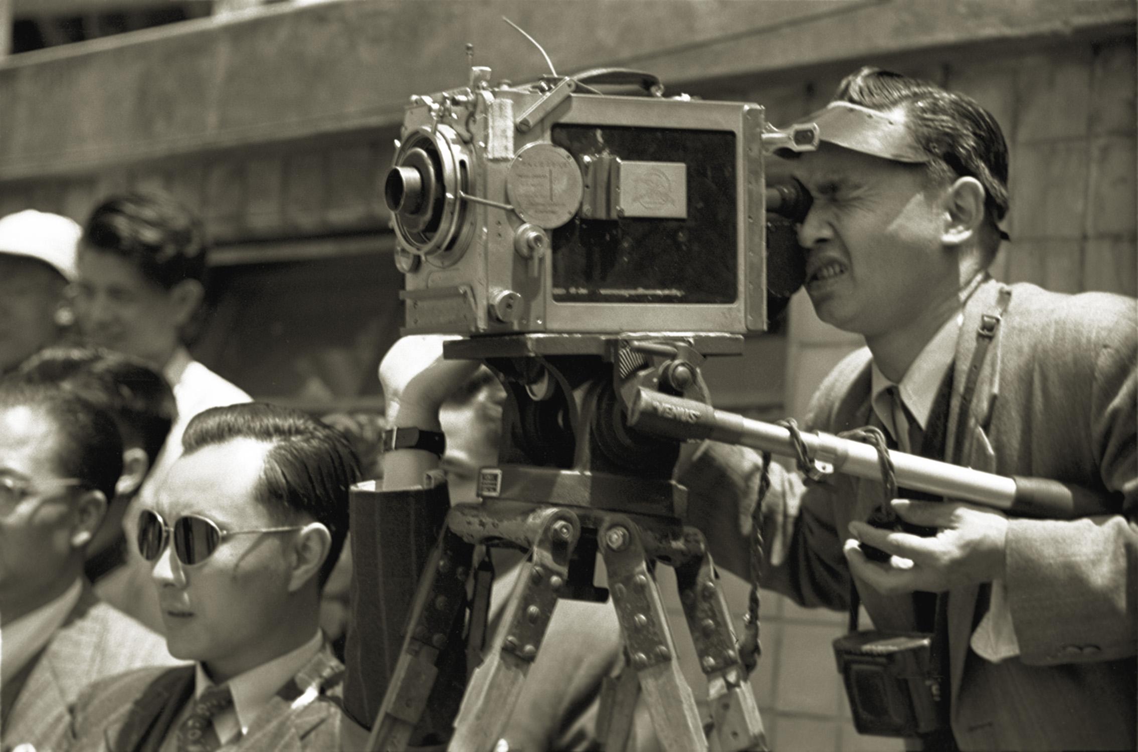摄影记者, Photojournalist, 1947 / Courtesy of Jin Hua