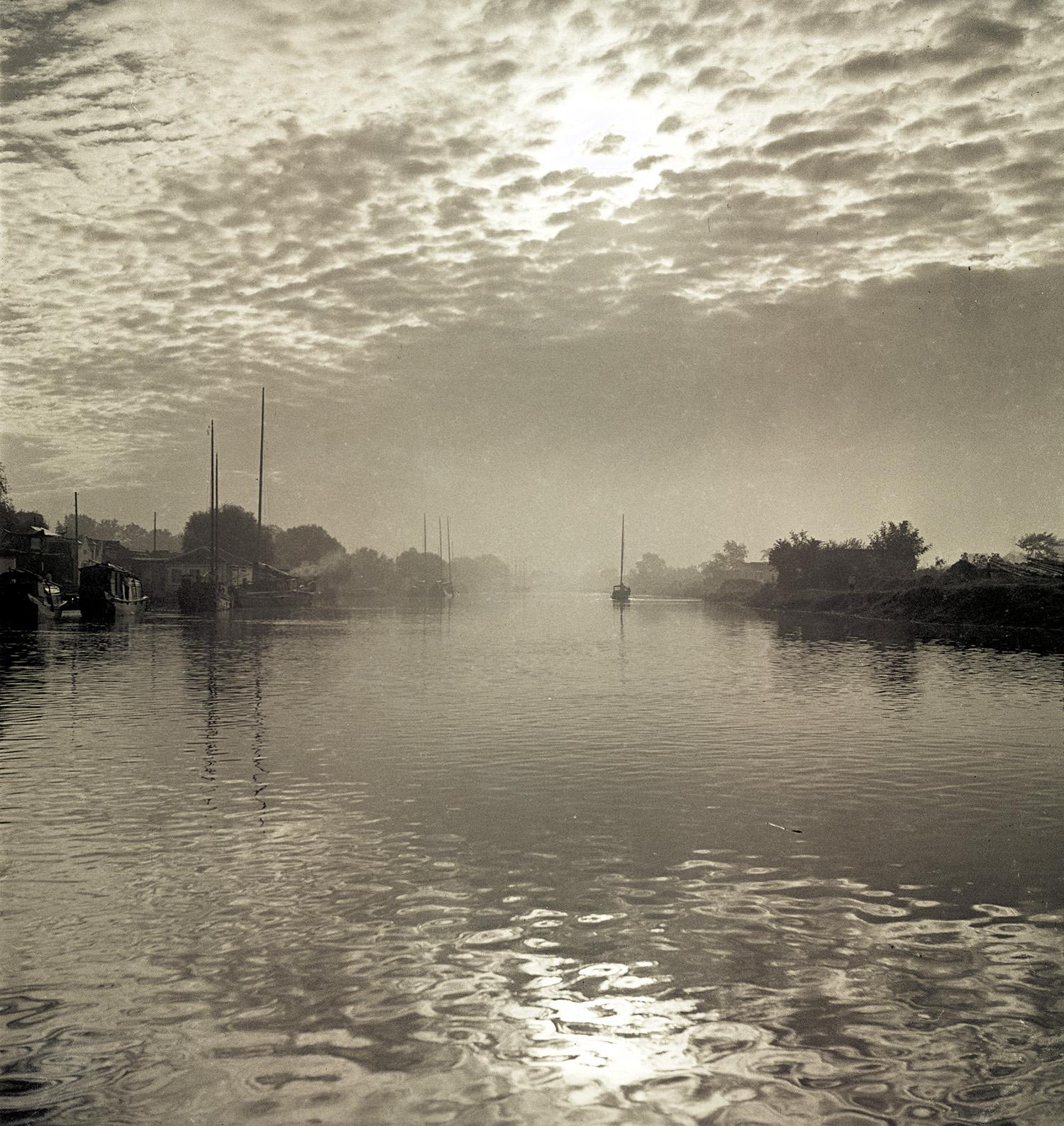 扬州运河, Canal in Yangzhou, 1935 / Courtesy of Jin Hua