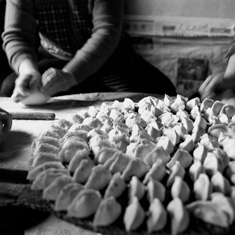 Jo Farrell, Su Xi Rong dumplings 75 (China, 2008).jpg