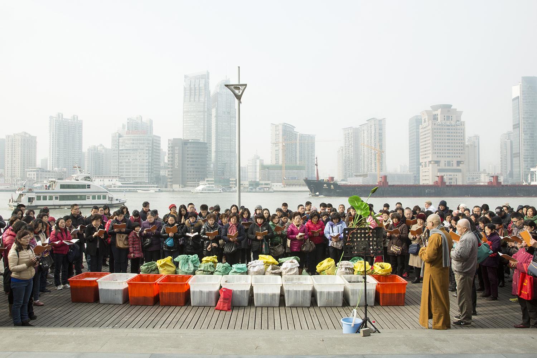 Animal Release gathering, Changning District, 2015 © Liz Hingley