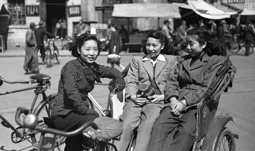In 1948 Sisterhood in Shanghai