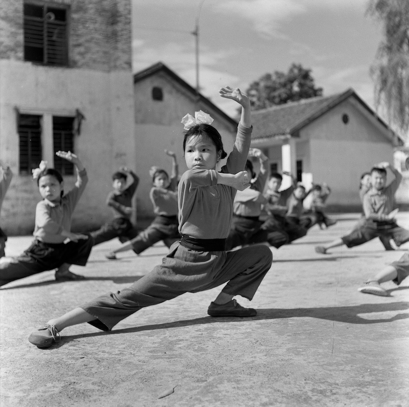 Student during PE class at Third Primary School in Lianzhou, 1970s Photo by Du Jixi, Courtesy of the Artist