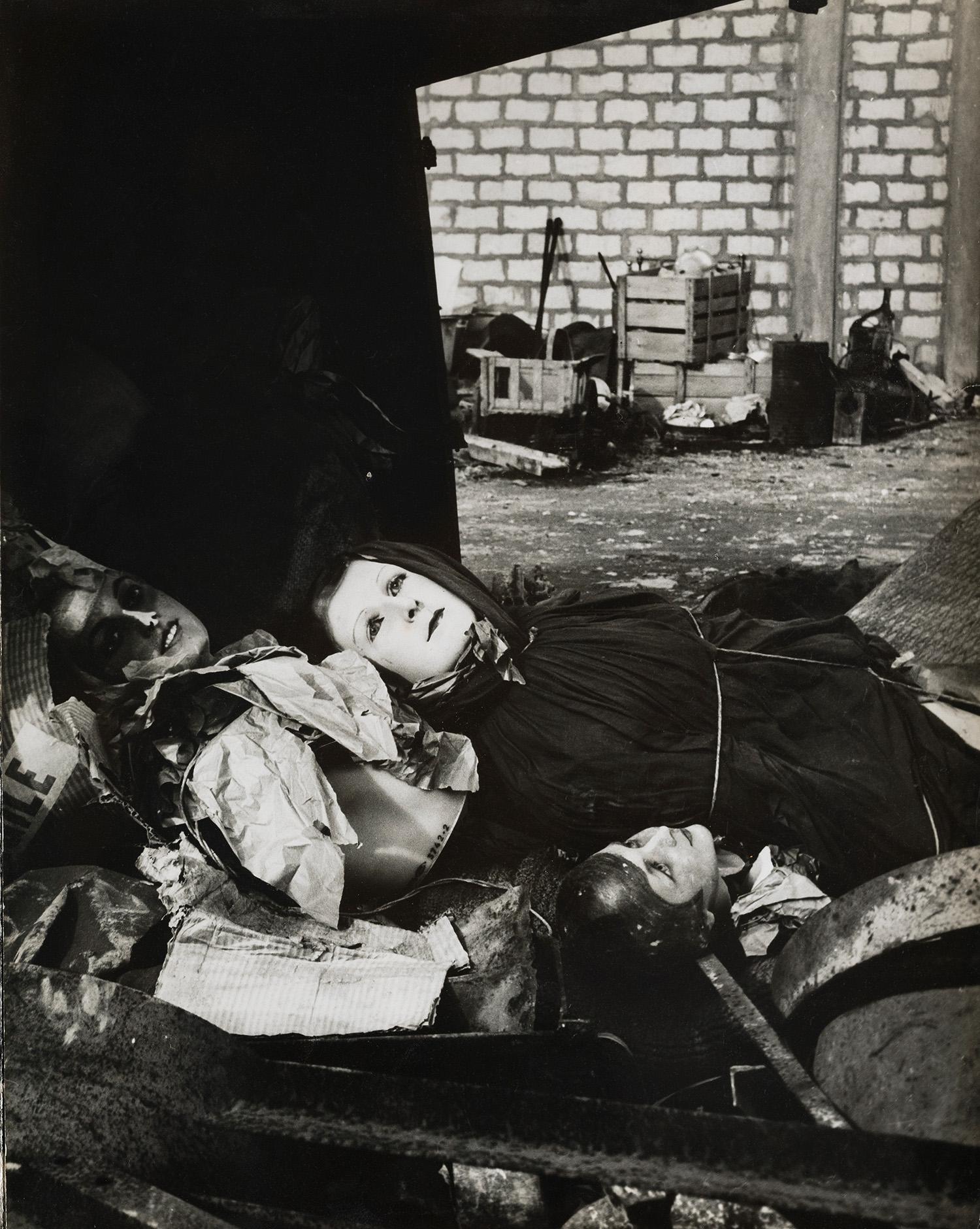 Lucien Clergue,  The Rag-picker's Mannequins , Arles, 1956. Courtesy of the Atelier Lucien Clergue. Courtesy of the Atelier Lucien Clergue and Saif 2019.