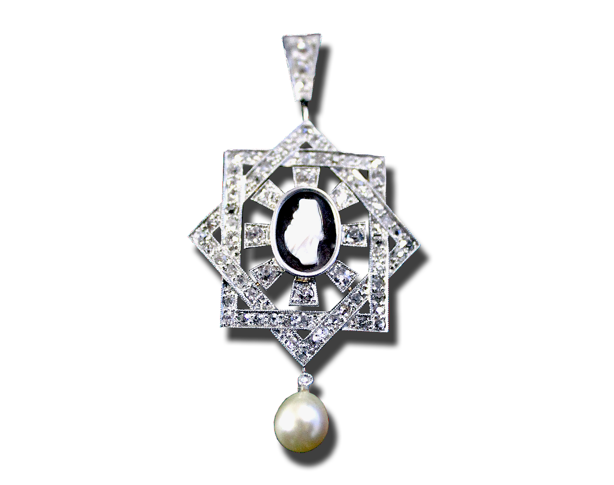 ART DECO CAMEO AND NATURAL PEARL PENDANT