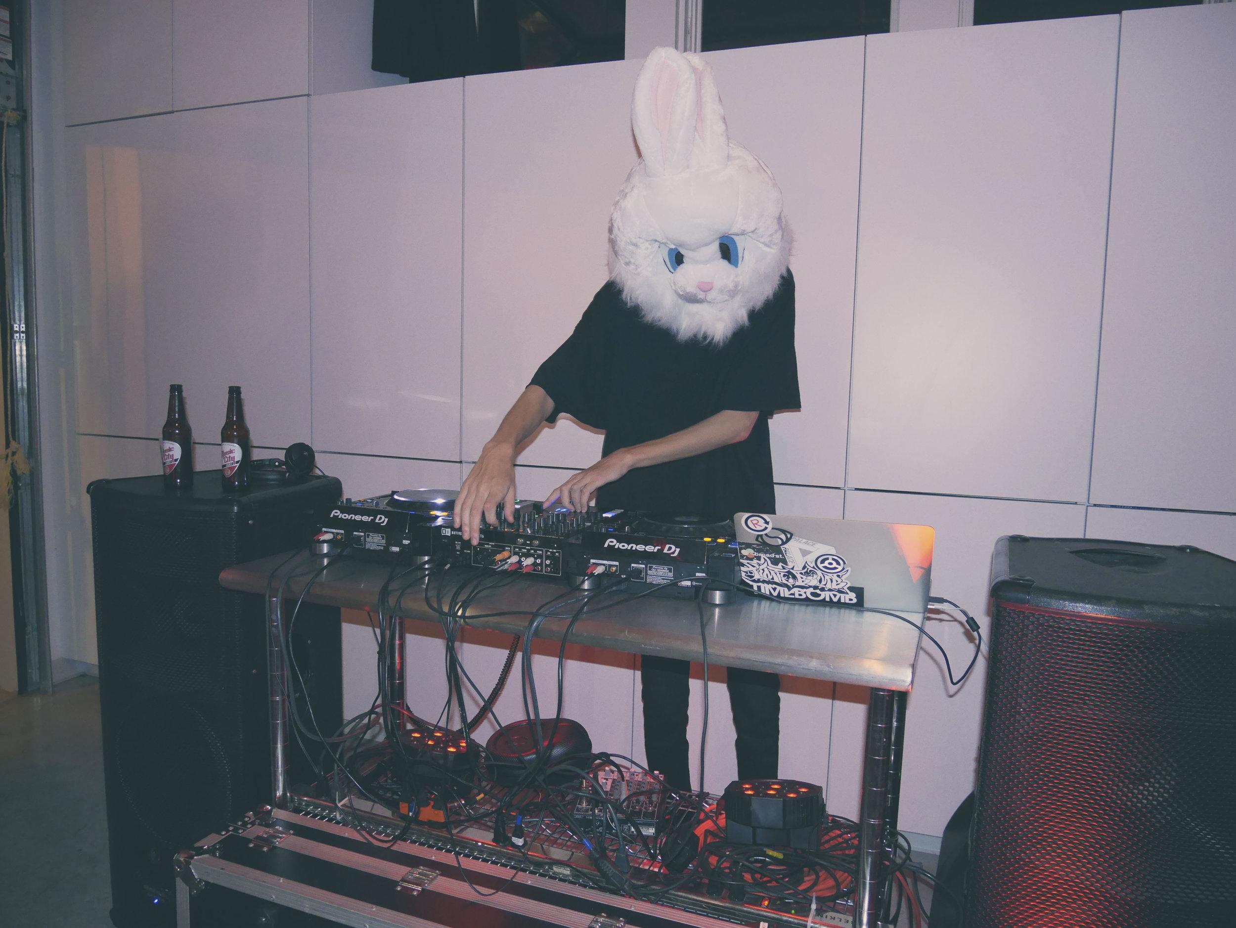 DJ Billy Cave