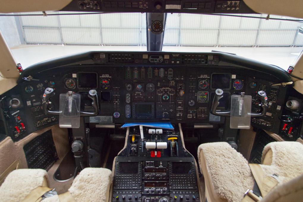 2Cockpit Maxem jet.jpg