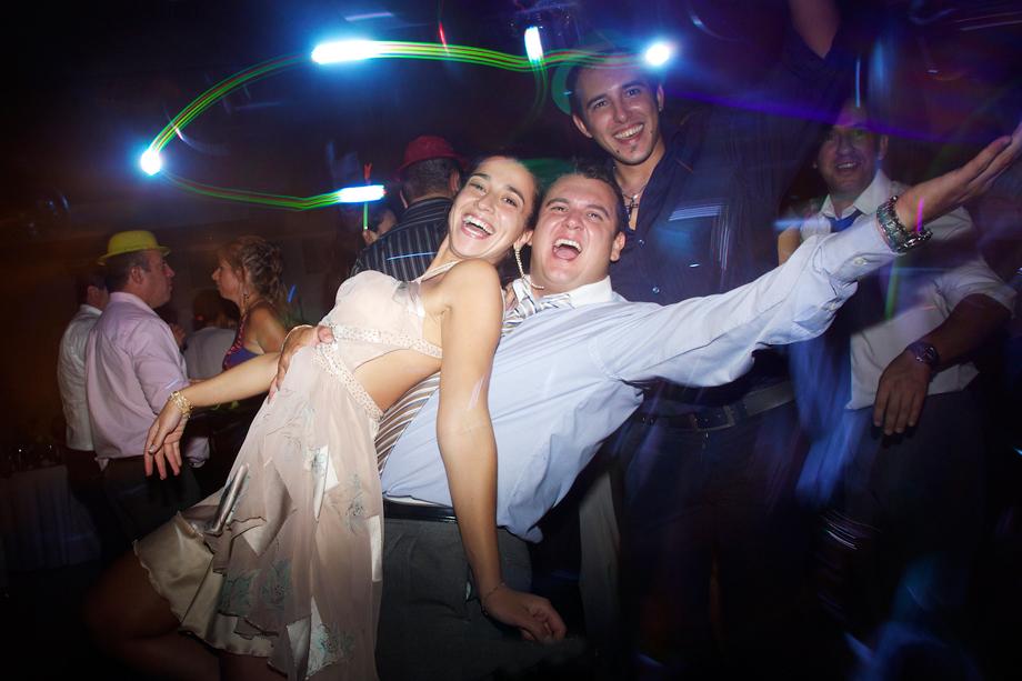 Las risas y locura en la Boda de Flor y Osvaldo en Fotos