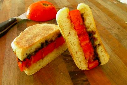 black-garlic-jalapeno-tomato-sandwich.png