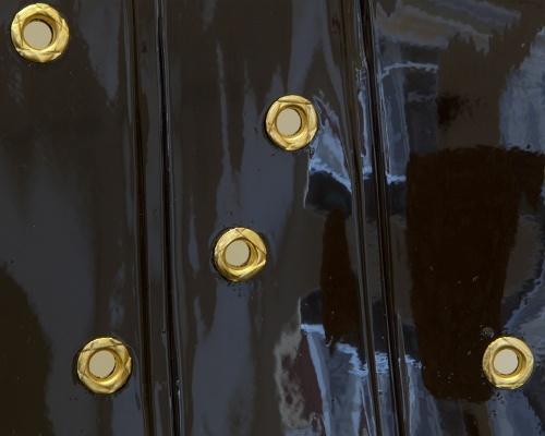 Black version - detail