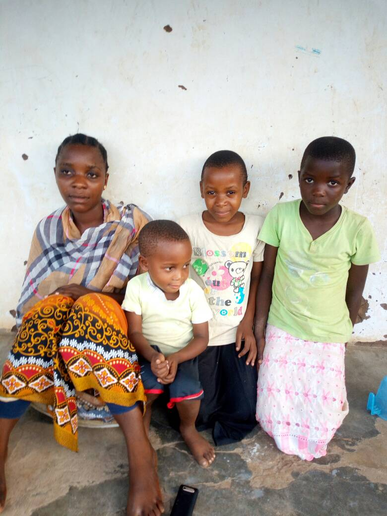 From the left is her step-mother, young brother, Sabrina, and her aunt Salma.