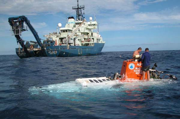 alvin_recovery_water_600[1].jpg