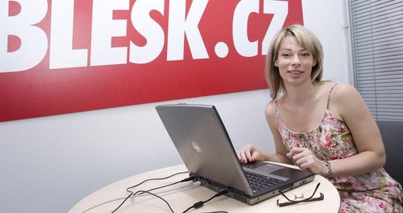 julie-gaia-poupetova-blesk_cz.jpg