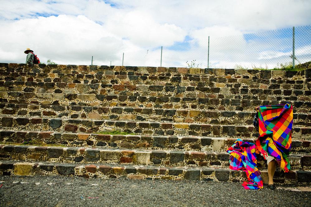 Teotihuacan Temple vendor