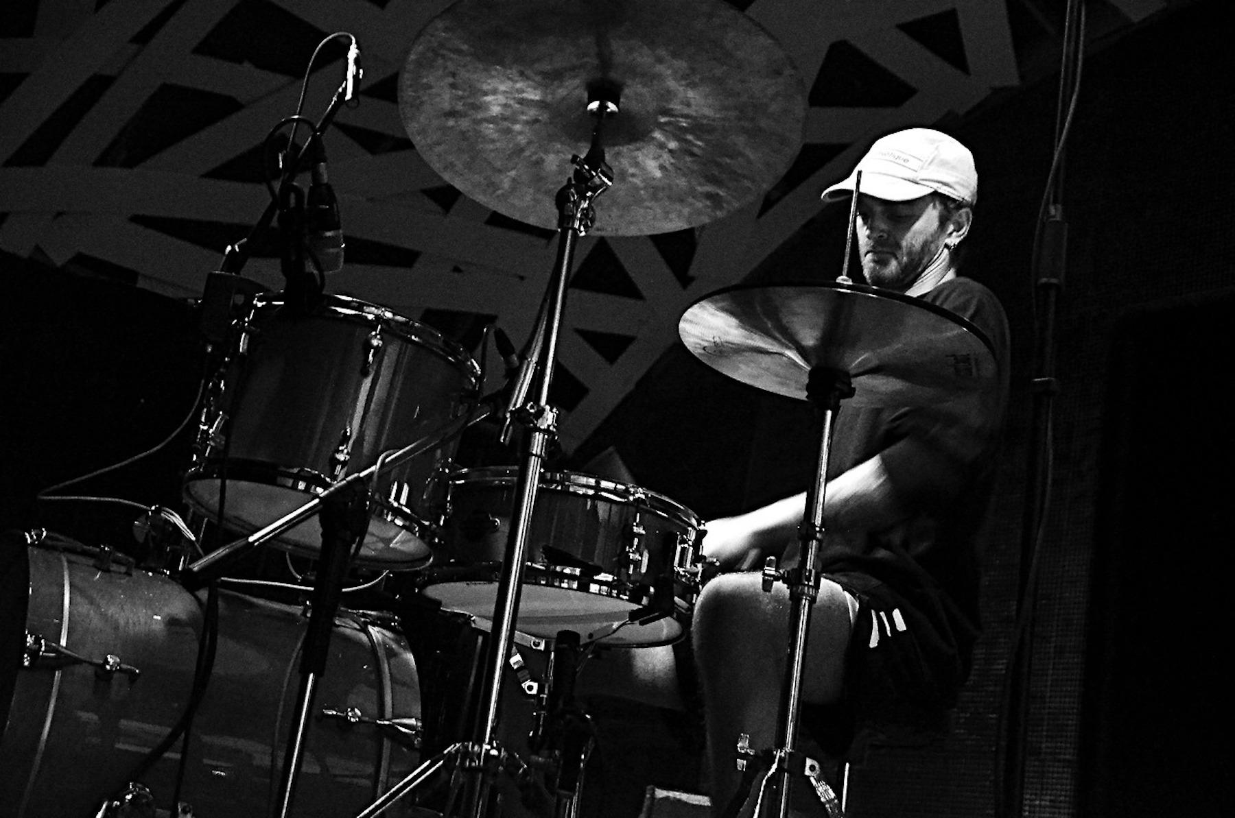 Greg Fox, Bruno Contreira at ADAO (OUT.RA-Associação Cultural) 09:17 4.jpg