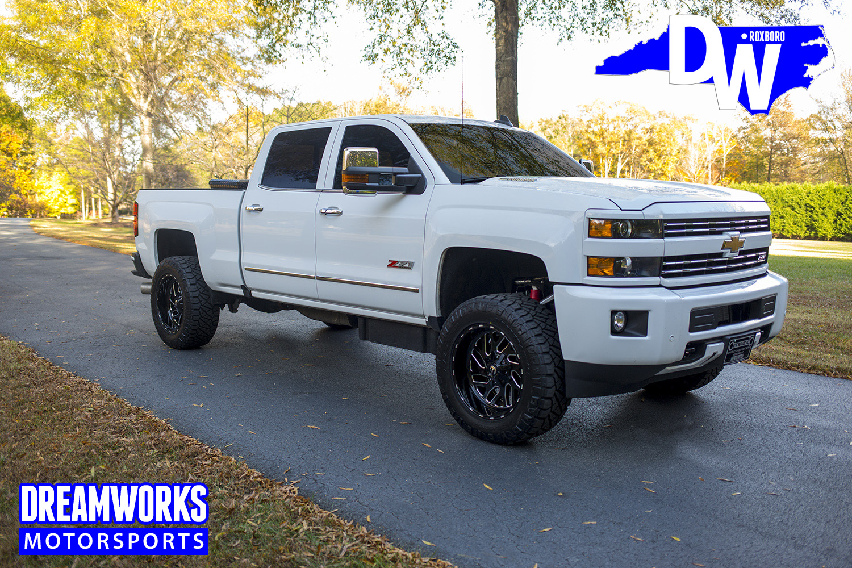 White-chevy-Truck-by-Dreamworksmotorsports-4.jpg