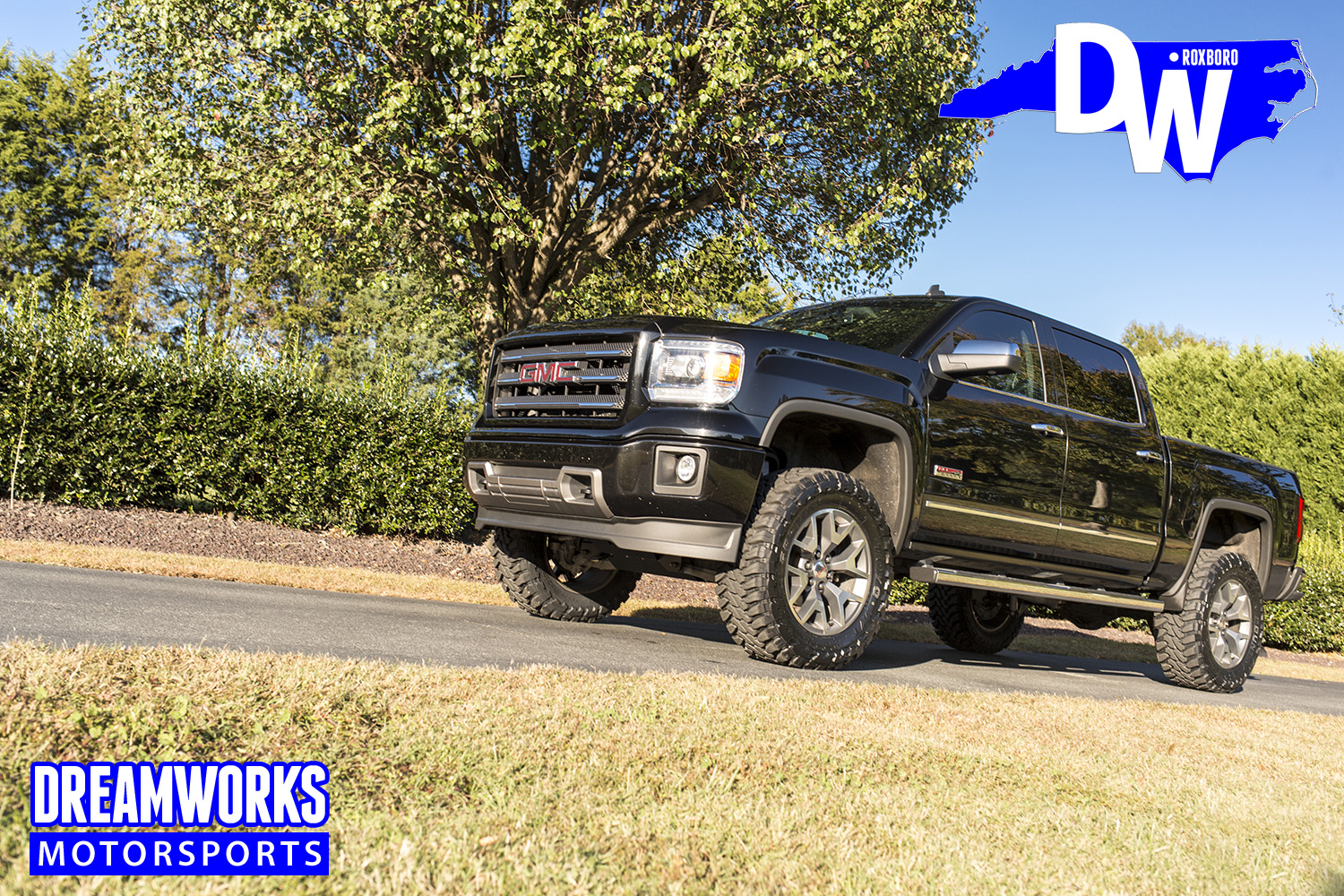 Black-Gmc-Sierra-by-Dreamworksmotorsports-1.jpg