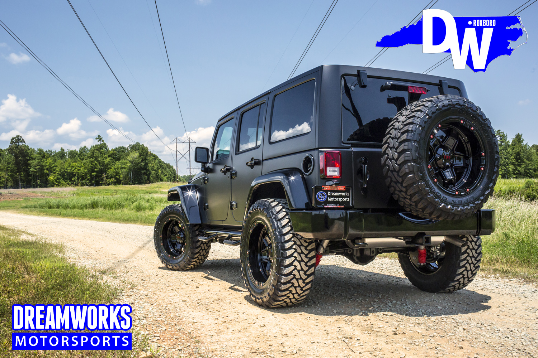 Gerald-Wallace-Matte-Black-Jeep-Wrangler-by-Dreamworks-Motorsports-2.jpg