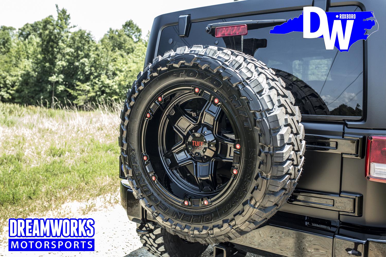Gerald-Wallace-Matte-Black-Jeep-Wrangler-by-Dreamworks-Motorsports-7.jpg