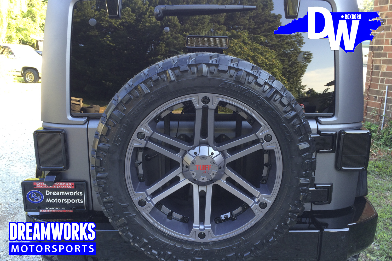 Marcus-Smiths-Jeep-Wrangler-By-Dreamworks-Motorsports-6.jpg