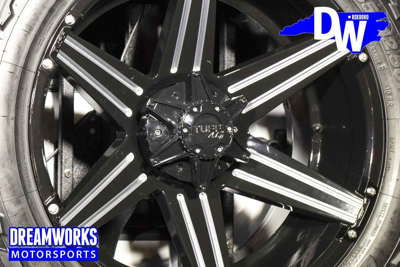 Desegana_Diop-White-Jeep-Dreamworks-Motorsports-4.jpg