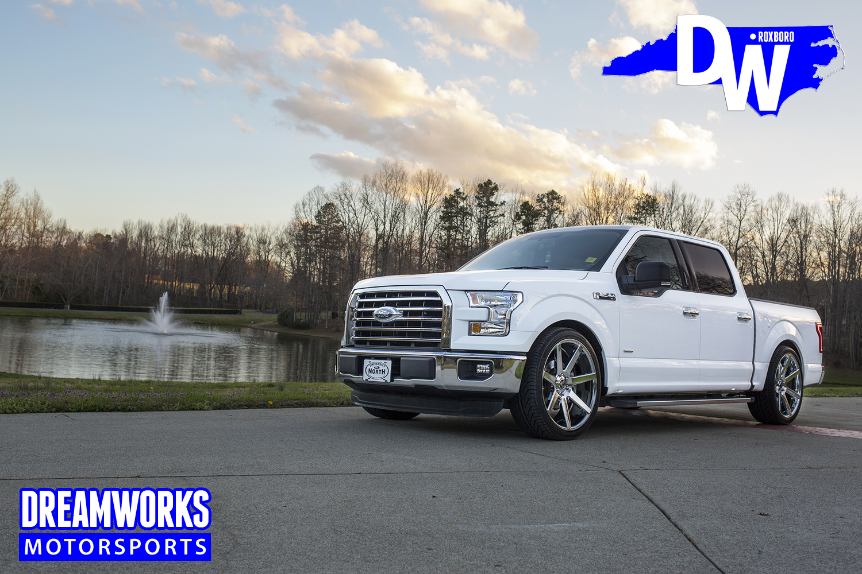 2017-lowered-Ford-F150-dreamworks-motorsports-4.jpg