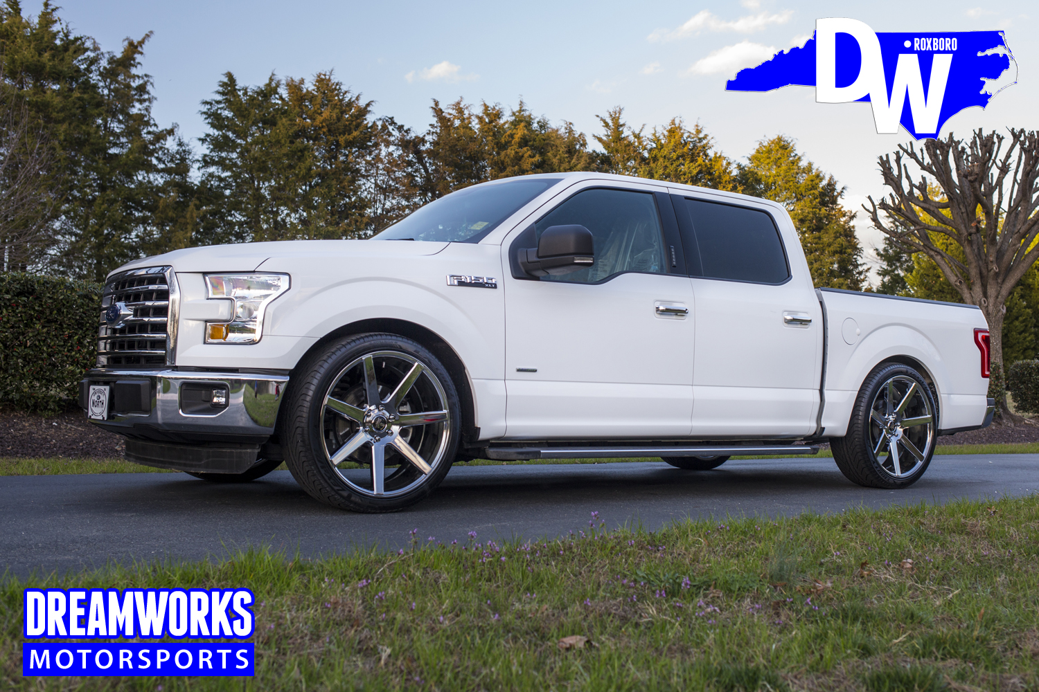 2017-lowered-Ford-F150-by-dreamworks-motorsports-1.jpg