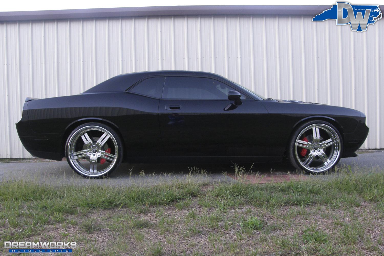 Dodge_Challenger_By_Dreamworks_Motorsports-4.jpg