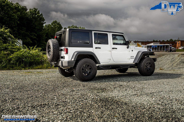 White-Jeep-Dreamworks-Motorsports-3.jpg
