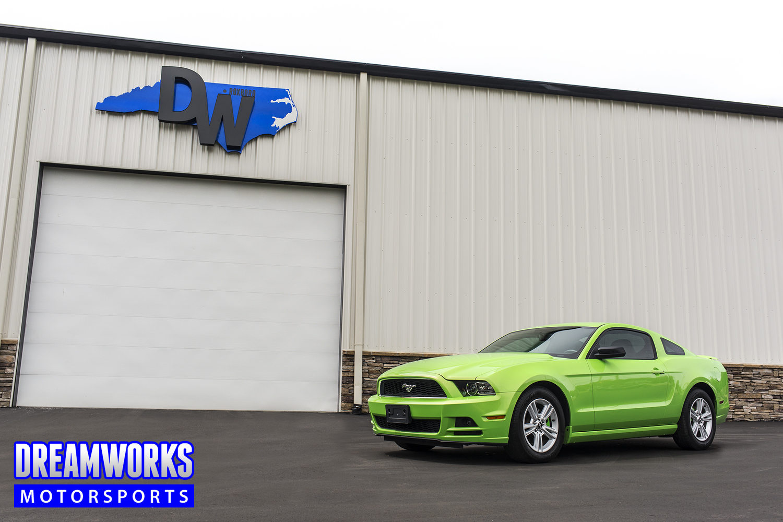 Green-Mustang-Dreamworks-Motorsports-1.jpg