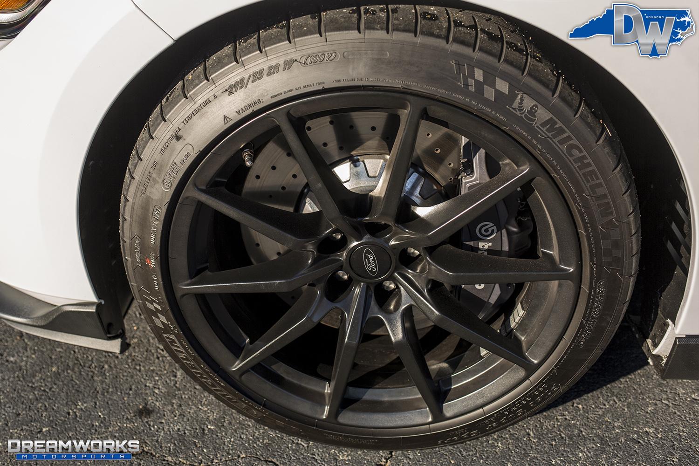 White-Shelby-Mustang-Dreamworks-Motorsports-5.jpg
