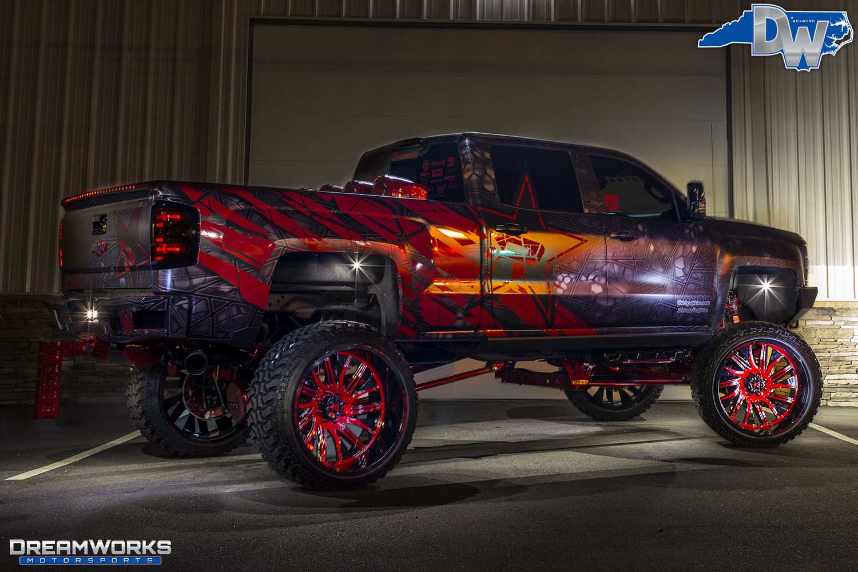 Red-SEMA-Truck-Dreamworks-Motorsports-2.jpg