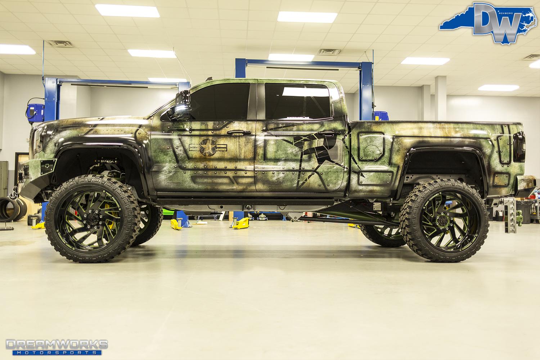 Green-SEMA-Truck-Dreamworks-Motorsports-4.jpg