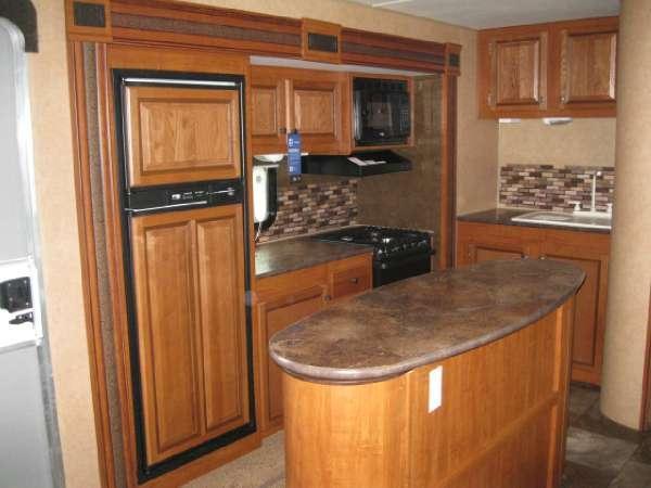 jayco33bhts_kitchen.jpeg