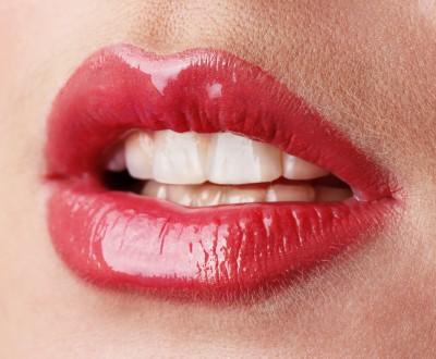 lips-high-fashion-lip-gloss.jpg