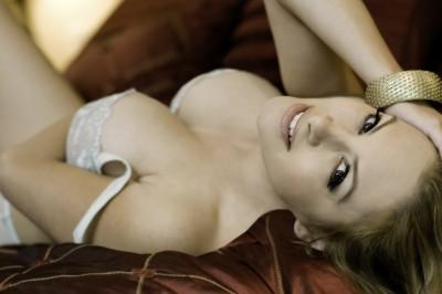 beautiful-woman-laying-in-bed.jpg