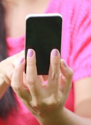 woman-on-smartphone-texting.jpg