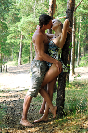 outdoor-sex-in-the-forest.jpg