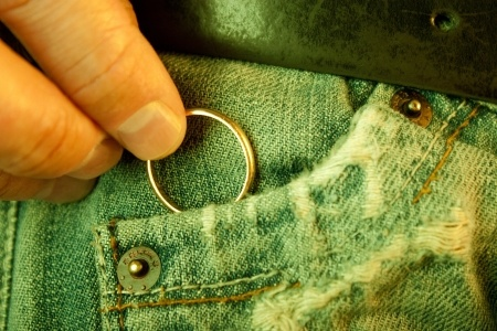 infidelity-cheating-removing-wedding-ring.jpg