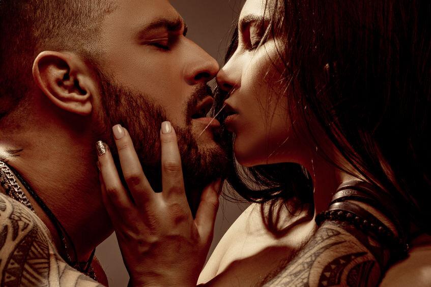 kissing-passion-eyes-closed.jpg